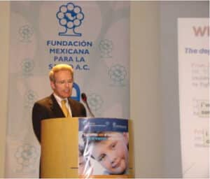 Dr. Pretlow at the 2009 Forum on Child Obesity Interventions in Mexico City