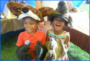 Kids-playing-dress-up