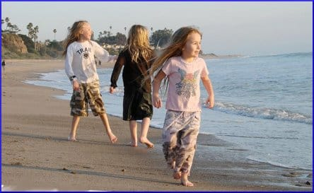 Kids playing in San Clemente State Beach