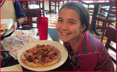 Faith & six topping pizza 083