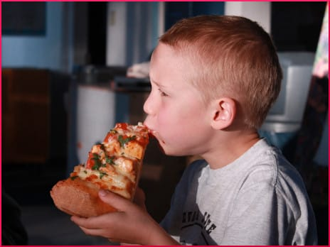 kid-eating-pizza