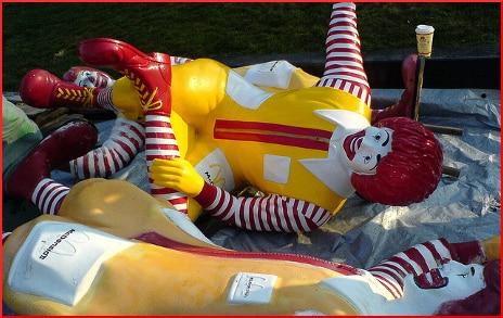 ronald-mcdonald-reclining