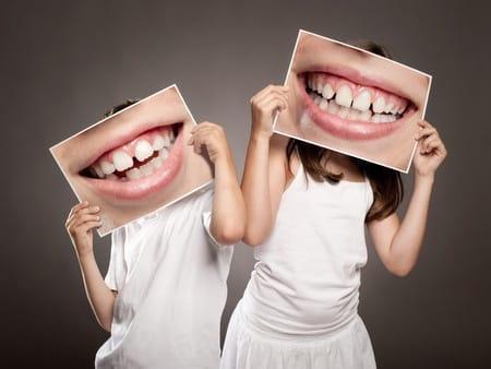 kids-holding-teeth-pics