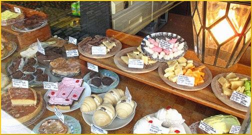 bakery-goods-display