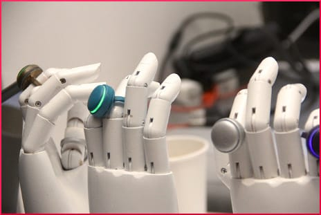 robots-wearable-tech