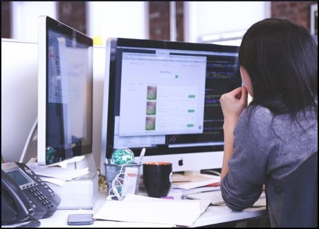 woman-at-the-computer