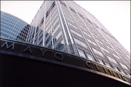 mayo-clinic-sign-outside