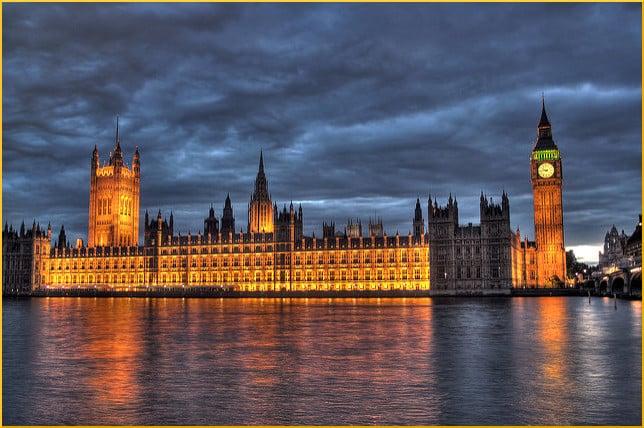 british-parliament-illuminated