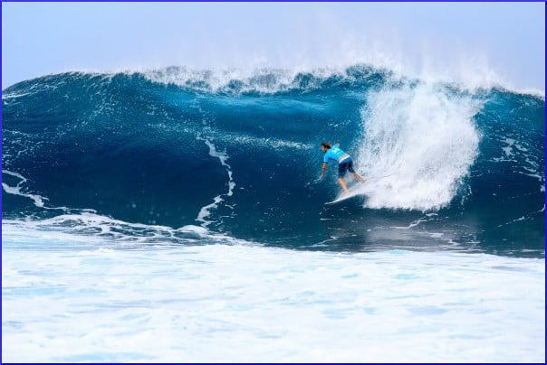 surfer-and-wave